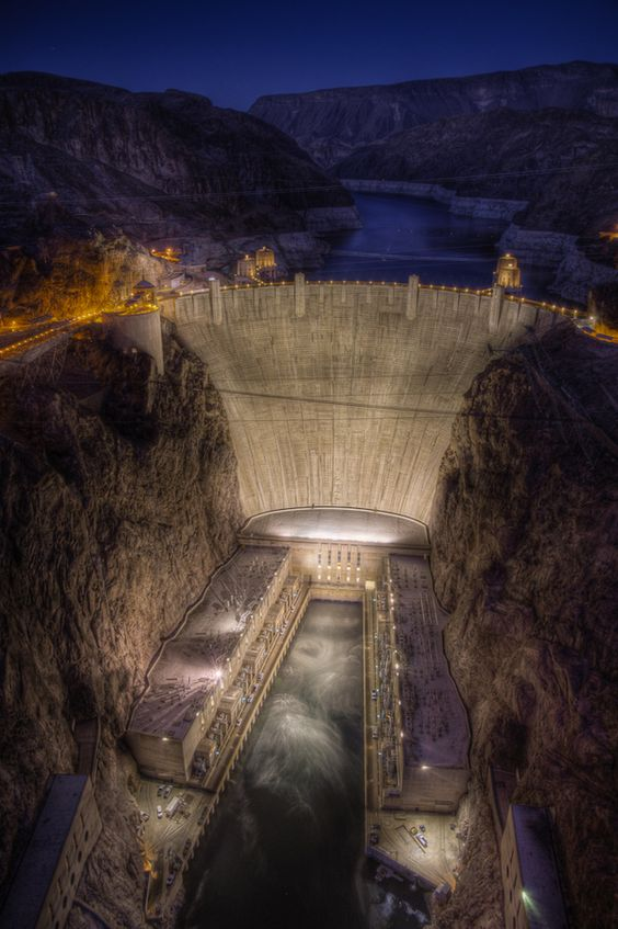 Hoover Dam - Nevada, USA (want to go)