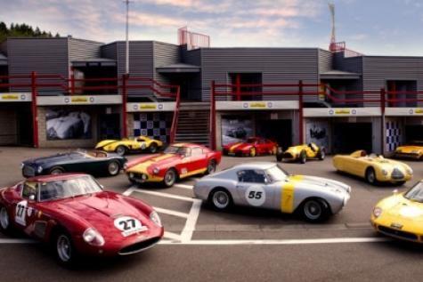 Il y a toujours du beau monde dans les paddocks lors du Spa Classic. Photo  : D.R.