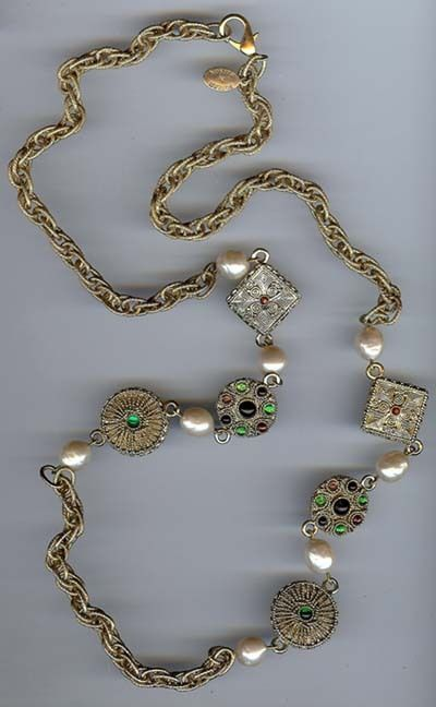 BUTLER AND WILSON VINTAGE CHUNKY RHINESTONE & PEARL NECKLACE