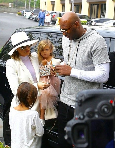 Khloe Kardashian Photos - The Kardashian Heads to Church on Easter - Zimbio