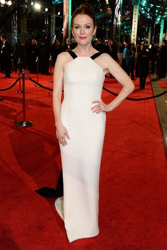 Julianna Moore in Armani at the BAFTAs 2016