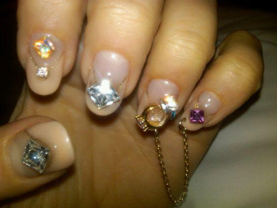 diamonds: Bling, Real Diamonds, Things Diamond, Nails Hair, Diamond Nails, Hair Nails, Nails Sparkly Things, Cutee Nails