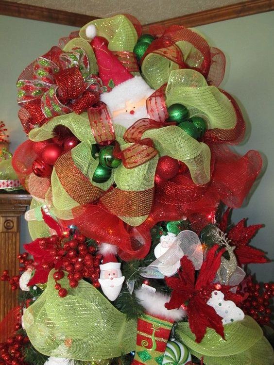 Polymesh wreath used for tree topper