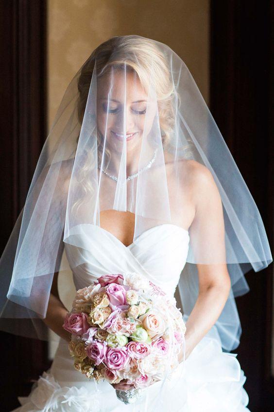 #glamour #Hochzeit auf #Hochzeitswahn   #Christina_Eduard_Photography #Villa_Rothschild #Frankfurt #Braut #Portrait #Getting_ready