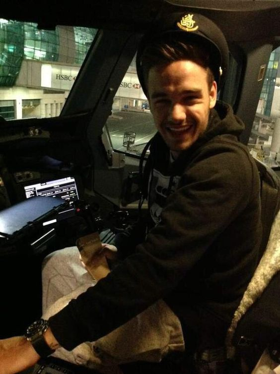 Liam on a plane to Australia last year! He looks sooo happy, therefore, I'm happy:)
