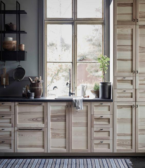 Nouvelle cuisine ikea torhamn cuisine avec portes et tiroirs en fr ne naturel - Portes de cuisine ikea ...