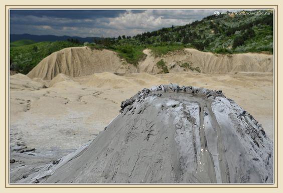 22_muddy_volcanoes_berca_buzau_paclele_mari.jpg 1.200×823 pixels