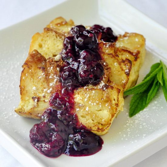 Bread Pudding French Toast...Who wants to wake up to this?! Preferably on a tray with the Sunday paper! LOL