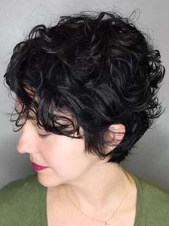 34 Charming Messy Curly Pixie Hairstyles For 2018 Curly Pixie Hairstyles Short Wavy Hair Thick Hair Styles