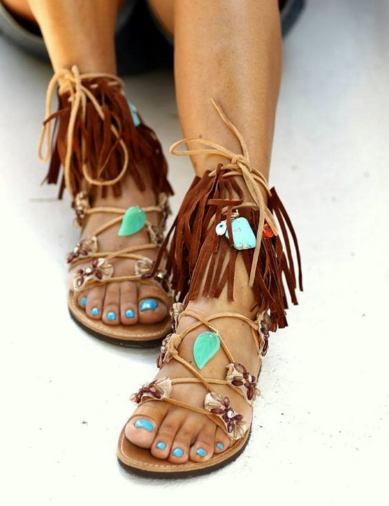 Really cute, the Pocahontas look. Love the turquoise: