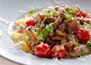 Pasta+mit+frischen+Pfifferlingen+und+Cherrytomaten