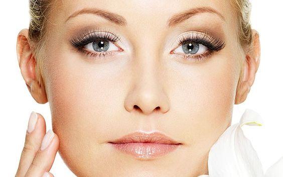 Tratamiento Lift CVS  Repara y fortalece la epidermis al tiempo que unifica el tono y afina el grano de la piel. Especialmente indicado para difuminar manchas, cicatrices y arrugas profundas. Afina pieles gruesas y poros dilatados.