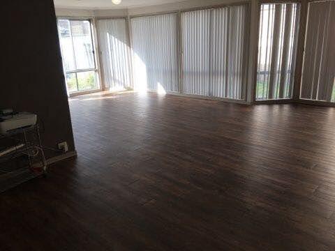 Vinyl Planks Colour Vintage Oak Our Customer Is Ecstatic Https Www Facebook Com Macarthurfloors Flooring Vinyl Plank Blinds