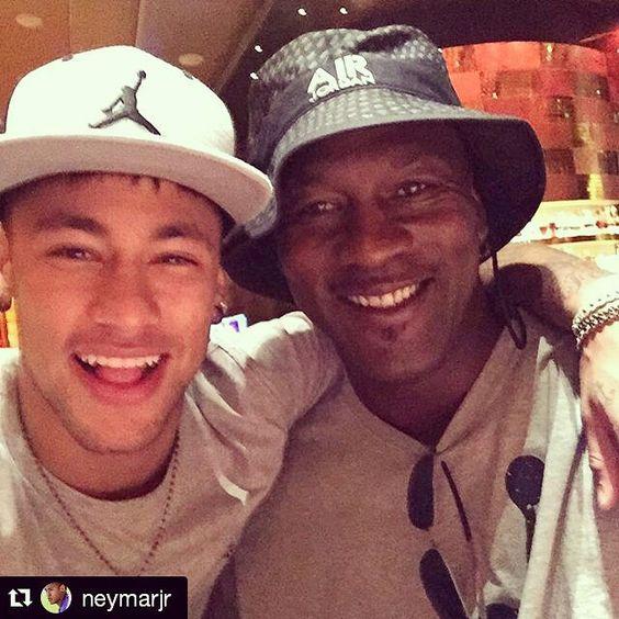 #Repost @neymarjr  THE GREATEST !!! Sonho realizado que honra conhecer esse cara ... #MJ23 by michaeljeffreyjordan23