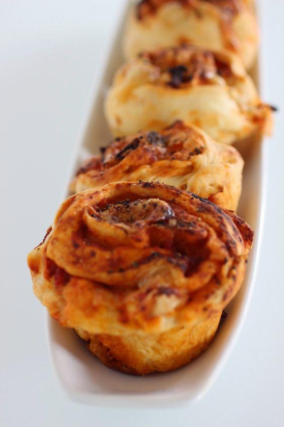 A healthy Love: Pizza Muffins Deluxe - besser und einfacher geht's nicht! In vier Schritten zum Genuß.