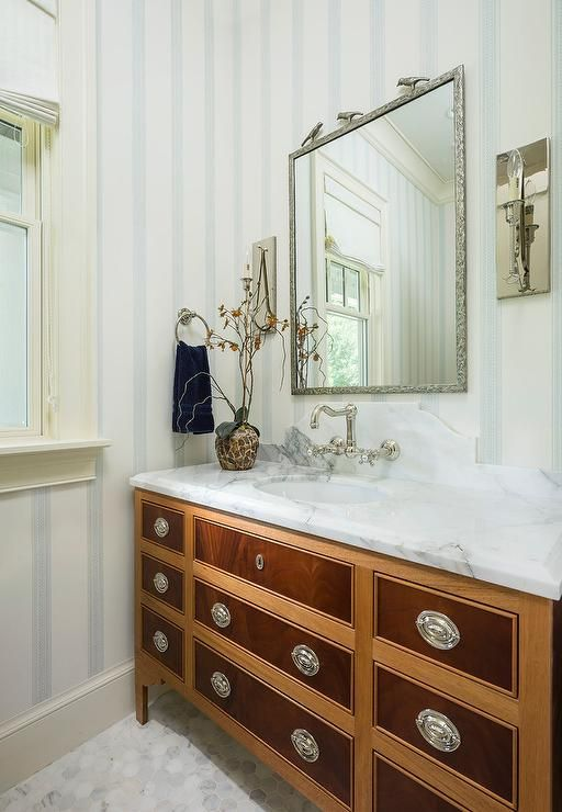 A Charming French Two Tone Bath Vanity Is Accented With Oval Inset Pulls And A White Marble Countertop Bathroom Design Small Apartment Bathroom Bathroom Decor