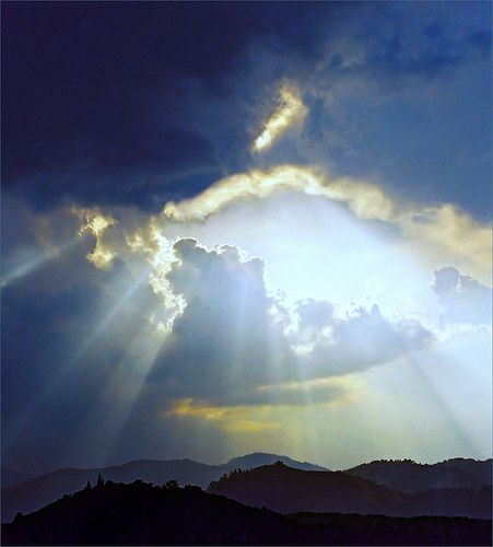 Heavenly crepuscular rays