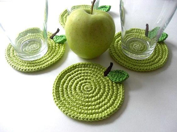 Cute coasters ... also on same page pear and ladybug coasters ... very cute !:
