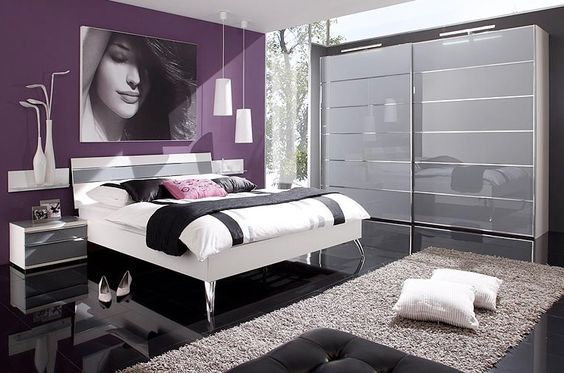 chambre coucher contemporaine mailleux lit sur pieds grand dressing sol noir laqu. Black Bedroom Furniture Sets. Home Design Ideas