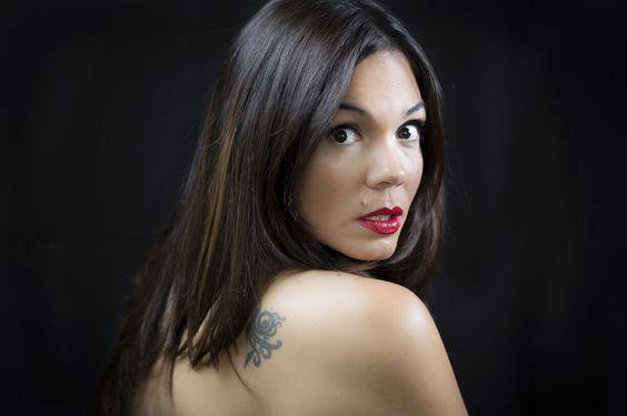 https://flic.kr/p/KUJX8t | una mirada | y también en vimeo vimeo.com/179184561   Ella es profesional de lo suyo y amiga de la familia. A veces la invito a mirar a la cámara. Ella es Irene Méndez.