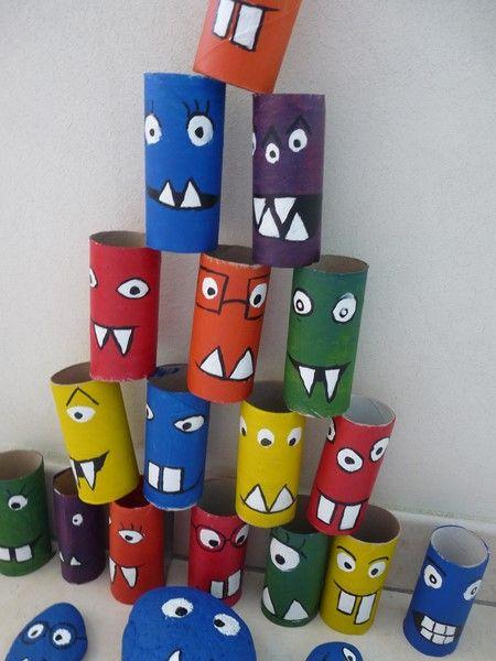 des monstres à bousculer (rouleaux de papier toilettes peints)