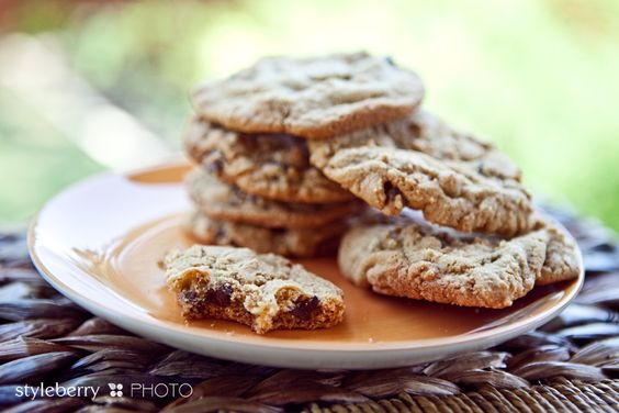 Crispy AND Chewy chocolate chip cookies from styleberry