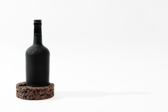 Port Wine Holder by Clinica de Arquitectura and Museu do Douro.
