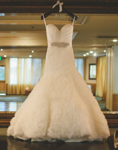 Allure 'Allure' Size 4 Used Wedding Dress - Nearly Newlywed