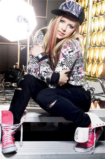 アヴリル・ラヴィーンの衣装, アヴリル・ラヴィーンの, ラヴィーン3, ラモーナ·ラヴィーン, アヴリルラモナ, 愛とは, ヤングファッション, 有名人, Avril Pins