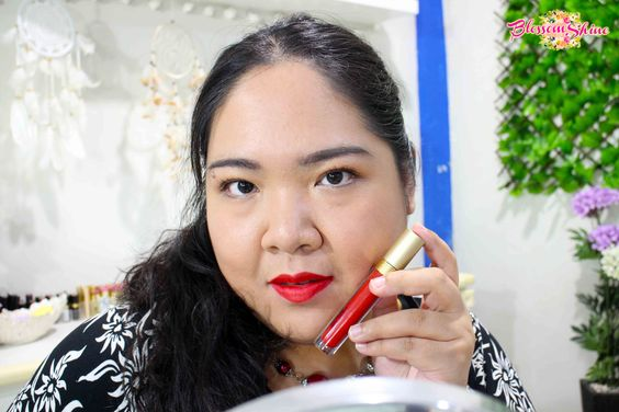 Lip Swatch Poppy Dharsono Liquefied Matte Lip Color 09 - Crimson Red