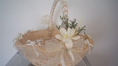 Modelos de canastas adornadas para bodas imagui - Canastas de mimbre decoradas ...