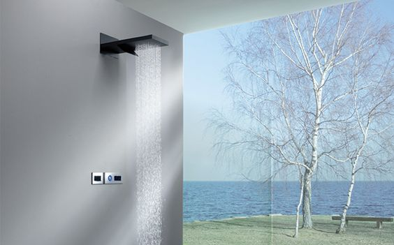 DARWIN Aluminium alloy wall mounted shower head with single cascade and relaxing rain nozzles.