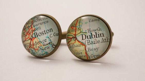 Mappe: mappa gemelli personalizzati vintage. Selezionare due posizioni. In tutto il mondo.  Gemelli sposo di nozze. uomo migliore. testimoni dello sposo. personalizzato