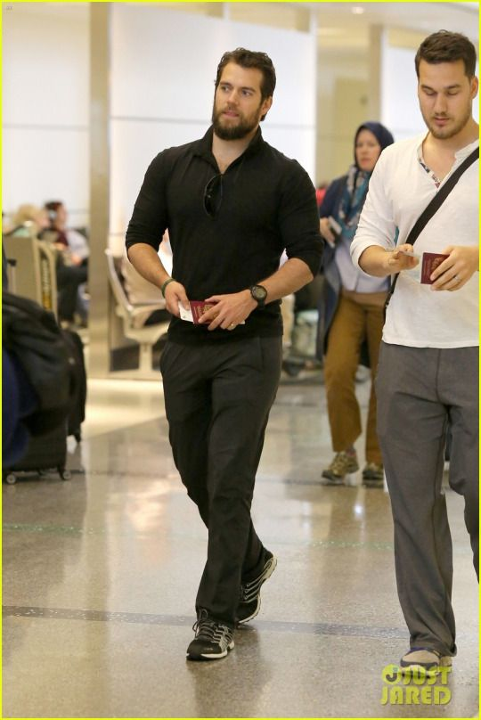 Henry Cavill Leaves LAX with brother Charlie Cavill on their  way back to London( photos via just jared )