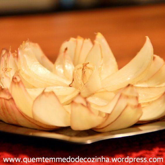 Flor de cebola. Receita no blog!