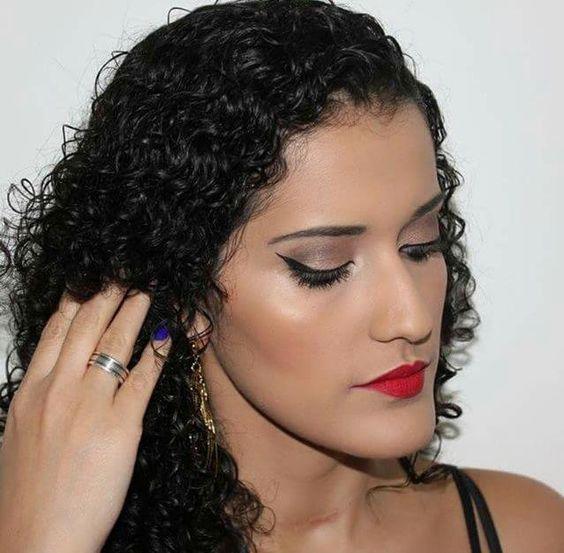 Maquiagem feita pela @bonitasemfrescura usando a paleta Natural