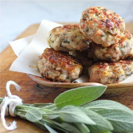 #Healthy #Recipe / Chicken, Apple & Fresh Sage Sausage Patties