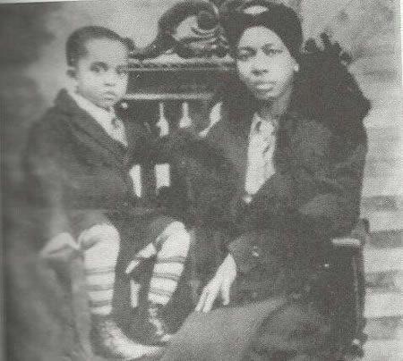 Wallace Muhammad with his mother Clara Muhammad.
