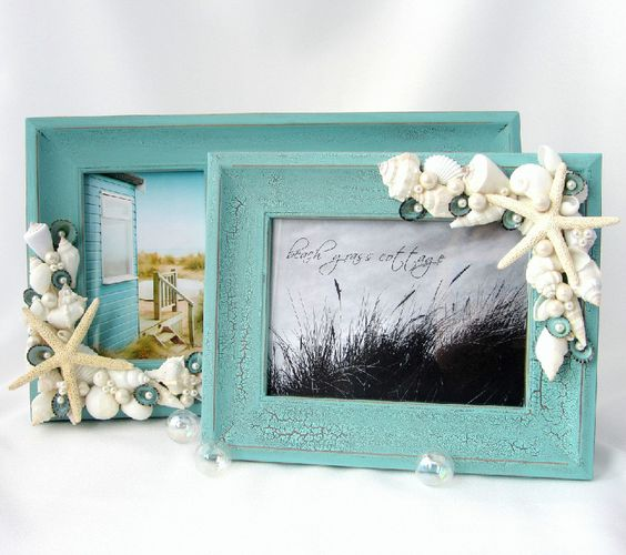 Diy seashell frame crafts frames for keepsakes from a for Bathroom picture frame ideas