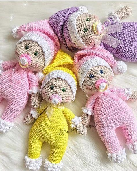 84 Seguidores 100 Seguindo 64 Publicacoes Veja As Fotos E Videos Do Instagram De Ana Feydit Anafeydit1952 Knitted Dolls Crochet Doll Clothes Crochet Doll