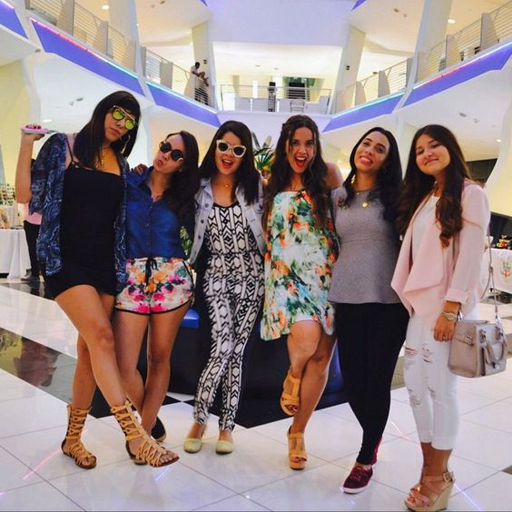 #TBT  Con estas hermosuras en el @mercadillord #LOVEIT  #BloggersClique #NicoleSing #fashionbloggers #mercadillospring15
