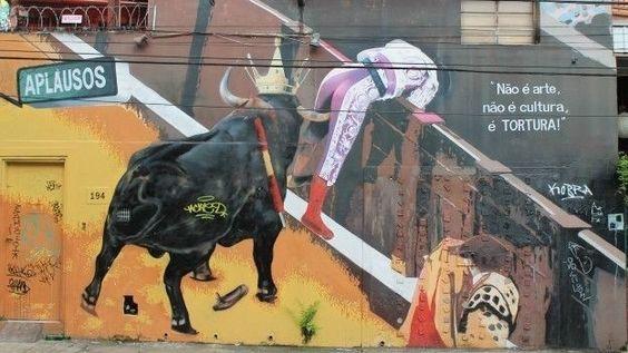 Um grafite de Kobra em defesa dos direitos dos animais localizado rua Belmiro Braga, mais conhecida como Beco do Aprendiz, em Pinheiros, zona oeste de São Paulo