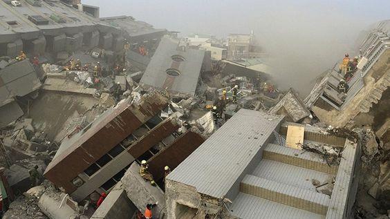 Un dron taiwanés ha sobrevolado un complejo de viviendas derrumbado en la ciudad de Tainan por primera vez desde que un terremoto de magnitud 6,4 sacudió el territorio insular la pasada madrugada. …