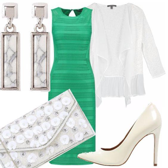 Ad una comunione a settembre? Lasciati ispirare tubino sagomato di color verde smeraldo abbinato a chemisier bianco, leggero. Accessori tutti bianchi: décolleté, pochette e orecchini.