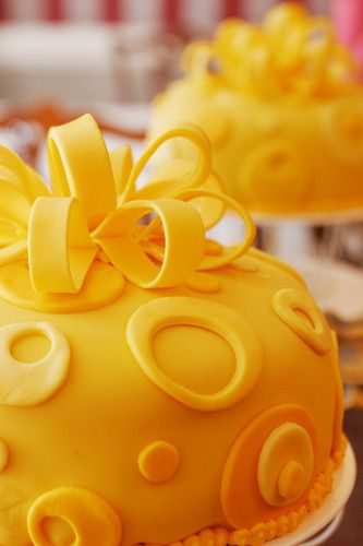 Yellow cake from Designer Cakes by Jen - FABULOUS!