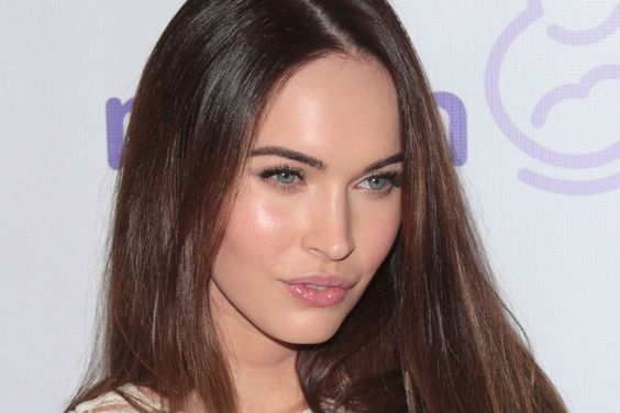 Megan Fox, please stop doing things to your face!  She's got that surgery 'look'.