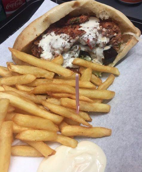 Best And Cheap Halal Falafel In Paris Chez Cleopatra Restaurant Halal Recipes Food Halal