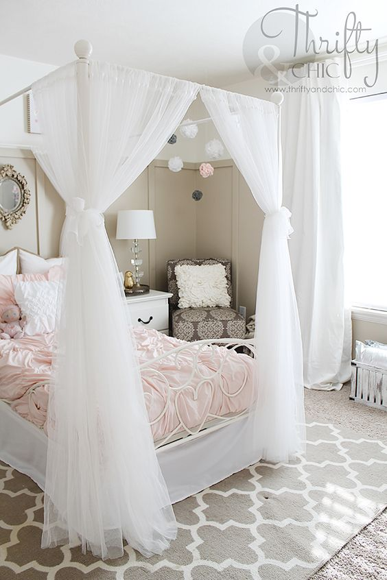 Cute decorating ideas for girls bedroom best of thrifty for Shabby chic bedroom ideas for girls