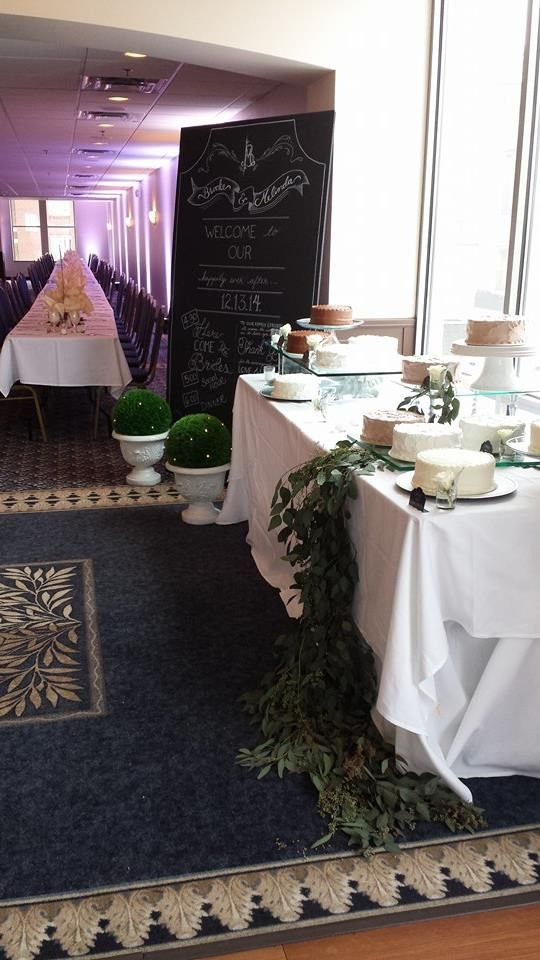 Customize your cake table! www.uniqueavenue.com