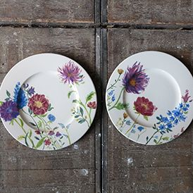 Sommerblumen auf Keramik bemalt